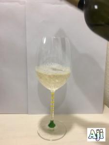 グラスに注ぐ甲州テロワール・セレクション 祝